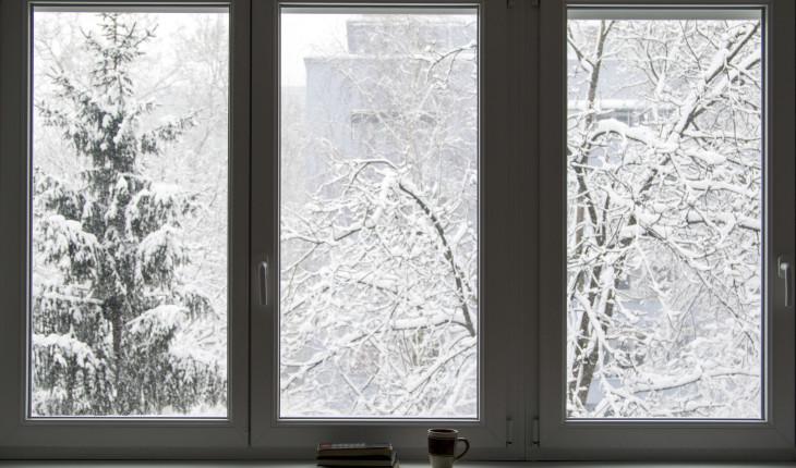 Подготовка ПВХ-окон к зиме: утепление своими руками