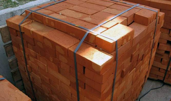 Кирпич по-прежнему самый универсальный строительный материал.