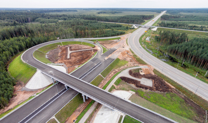 В Подмосковье начнут строить шесть новых дорог
