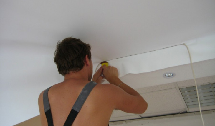 Как установить натяжной потолок самостоятельно