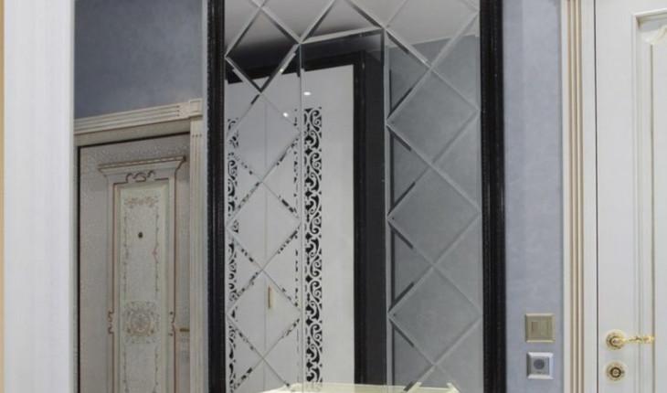 Как украсить интерьер прихожей зеркалами и не только…
