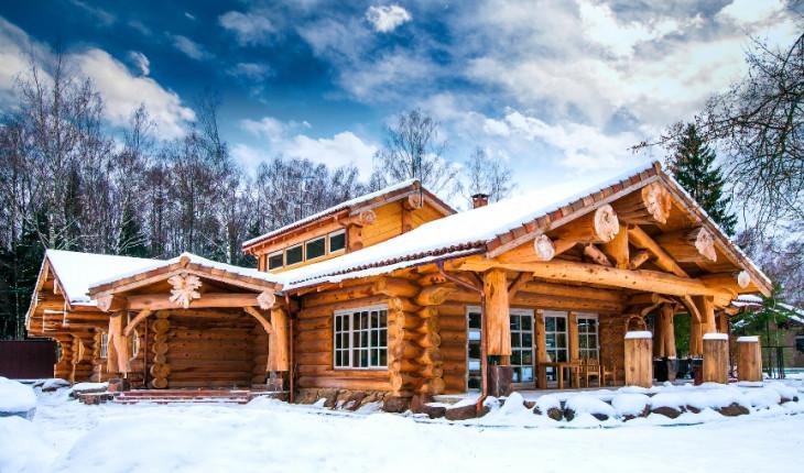 О преимуществах строительства сооружений из натурального дерева