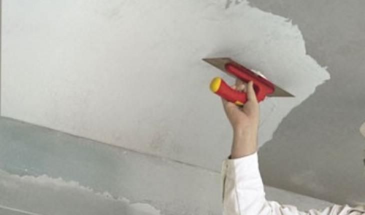 Как шпаклевать потолок и стены