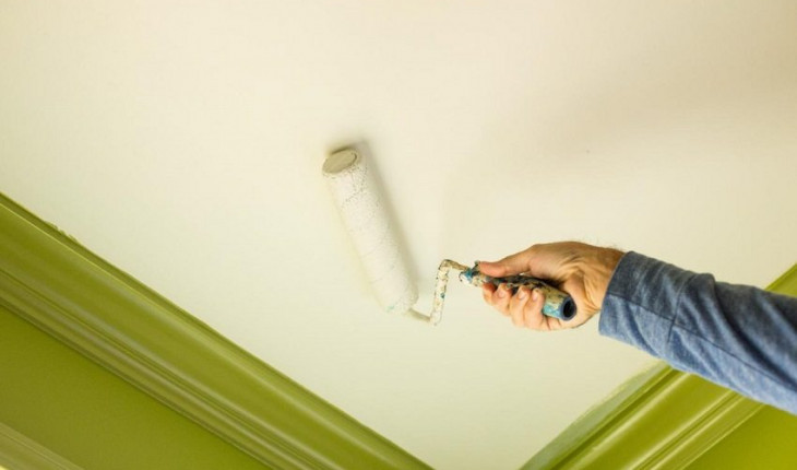 Порядок окрашивания потолка