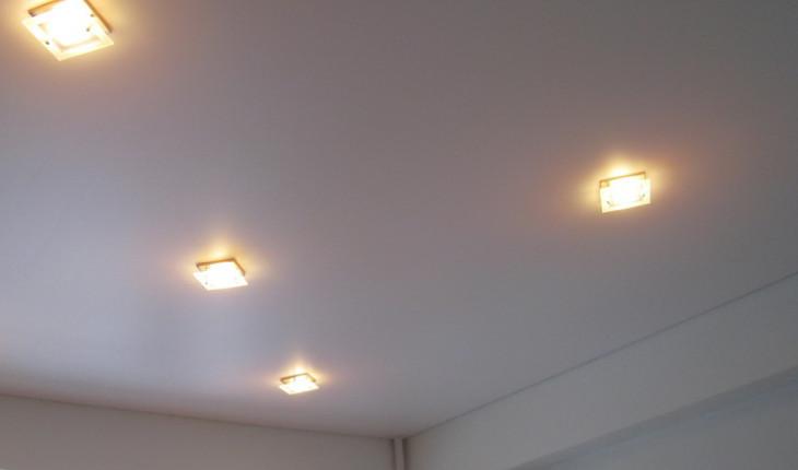 Натяжные потолки – важность комплектующих