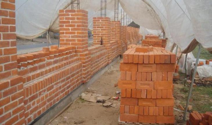 Как построить кирпичную стену?