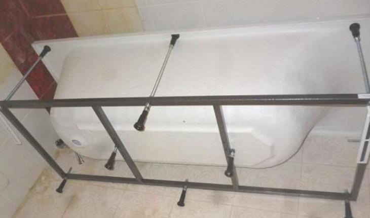 Как правильно установить акриловую ванну?