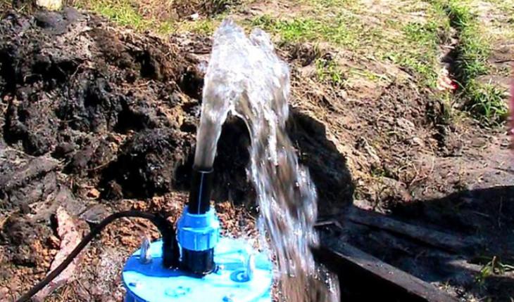 Бурение скважины на участке – простое решение «водных» проблем