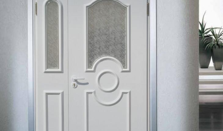 Межкомнатные двери из металлопласта – особенности выбора и монтажа