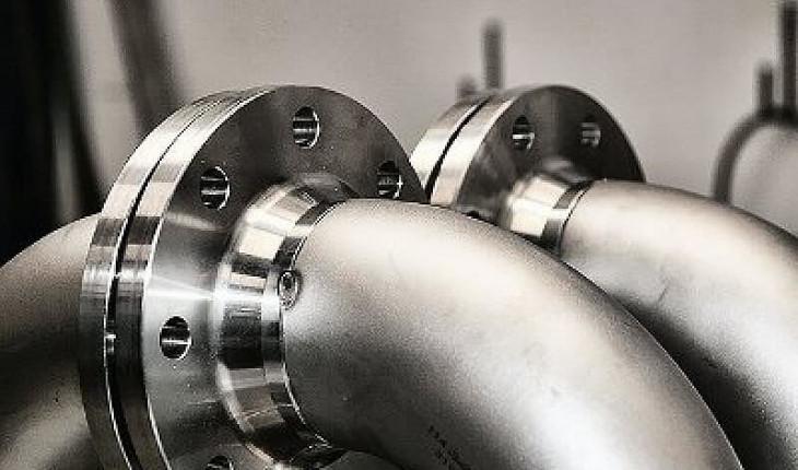 Стальные фланцы для соединения трубопроводной арматуры и оборудования