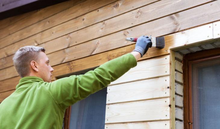 Защищаем деревянный дом от влаги