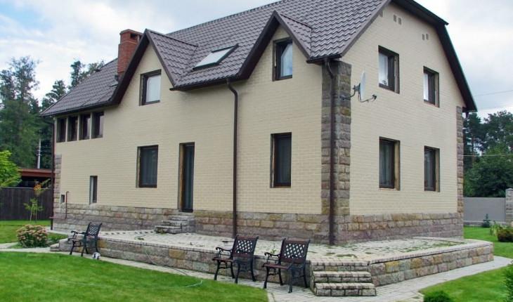 Фасадные панели для наружной отделки дома
