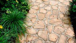 Дорожки из камня своими руками. Красивая брусчатка на садовом участке
