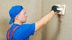 Как лучше штукатурить стены