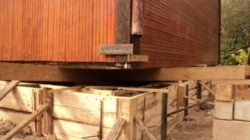 Как отремонтировать деревянный дом своими руками