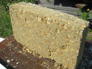 Блок из опилкобетона применяемый в строительстве