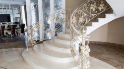 Мраморные лестницы