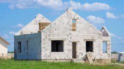 Самостоятельная постройка домов из пеноблока
