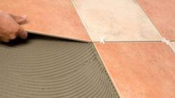Правила ремонта квартир: укладка плитки на пол